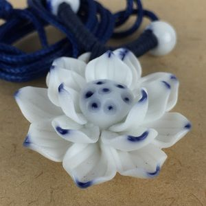 Jewelry - Asian Blue & white ceramic lotus flower necklace